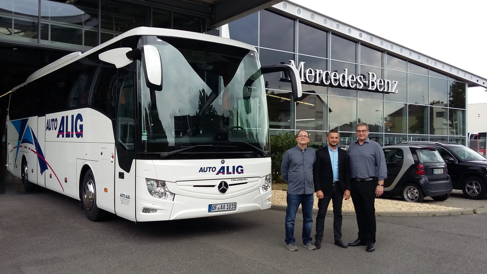 neuer Tourismo Reisebus